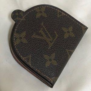 Louis Vuitton Monogram Porte Monnaie Gousset